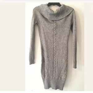 Bebe turtle neck cable knit dress XS gray